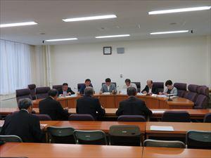 福島県議会県民連合議員会での様子